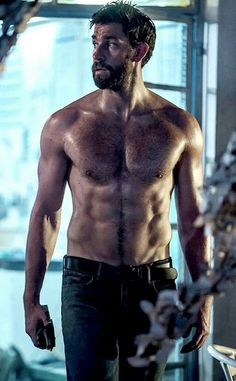 John Krasinski Reveals How Getting Ripped can Change your Life. John Krasinski eats healthy stuff and has got stronger in the past. He shed body fat in The Office Jim, Celebrity Bodies, Hommes Sexy, Raining Men, Shirtless Men, Hairy Men, Attractive Men, Good Looking Men, Muscle Men