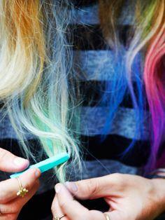 Cabello Chalk  Juego completo de 24 tizas de diferentes colores de pelo. Fácil de aplicar sobre el cabello y fácil de lavar!