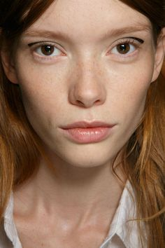 Giamba at Milan Spring 2015 (Backstage). http://votetrends.com/polls/369/share #makeup #beauty #runway #backstage