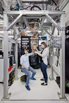 IBM Building First Universal Quantum Computers for Business and Science Technology Gadgets, New Technology, Energy Technology, Second Law Of Thermodynamics, Pr Newswire, Quantum Entanglement, Web Security, Thing 1, Quantum Mechanics