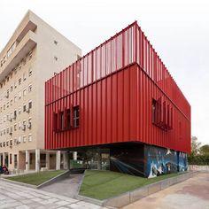 Social Cyber centre by MEDIOMUNDO arquitectos photographed by Fernando Alda