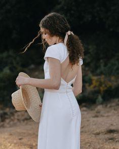 Innovias   Blog de Innovias – Vestidos de novia a precios de fabrica Marriage, White Dress, Hair, Instagram, Dresses, Fashion, Sun, Perfect Makeup, Wedding Hair Styles