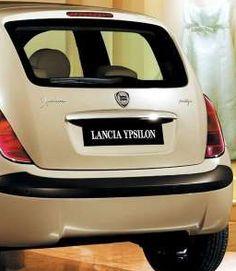 Coche Lancia YPSILON.