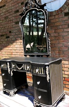Ideas for painting my vanity Gothic Furniture, Funky Furniture, Refurbished Furniture, Furniture Makeover, Painted Furniture, Striped Furniture, Custom Furniture, Furniture Ideas, Meubles Peints Style Funky