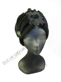 cappello nero,maglia di cotone,cappellino nero,cuffia nera,con bottoni vintage,jeans riciclato,stoffa riciclata,grigio verde turchese  c10 di decorandom su Etsy