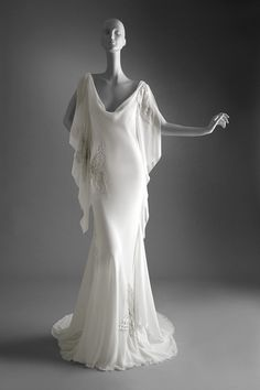 2005 Spring Summer HC Boldini-style chiffon white evening dress © Valentino Garavani Virtual Museum