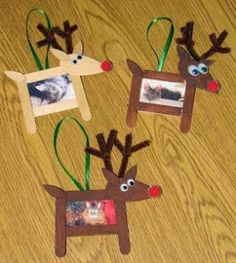 These quick and easy Christmas kids crafts can be made in under 30 minutes! No special tools or skills needed, so ANYONE can make these fun holiday crafts! Christmas crafts for kids. Preschool Christmas, Christmas Art, Christmas Projects, Simple Christmas, Green Christmas, Christmas Crafts For Kids To Make At School, Christmas Decorations For Kids, Christmas Activities For Children, Kids Holiday Crafts