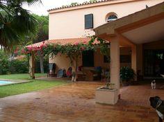 Échale un vistazo a este increíble alojamiento de Airbnb: Villa / Chalet con piscina en Roche Conil Cádiz - Casas en alquiler en Roche