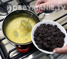 Domácí špičky plněné vaječným likérem: Jsou neodolatelné – Hobbymanie.tv Fondue, Spices, Pudding, Cheese, Ethnic Recipes, Custard Pudding, Puddings, Avocado Pudding
