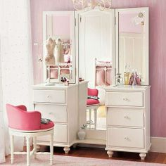 Modern interior decorating ideas blend traditions with contemporary comfort and functionality Dresser With Full Length Mirror, Dressing Table With Full Length Mirror, Small Master Closet, Dressing Table Design, Dressing Tables, Dressing Table For Girls, Beauty Room, Girl Room, Interior Decorating