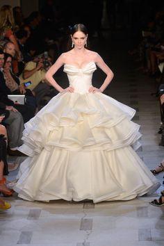 New York Fashion Week: Zac Posen, primavara/vara 2013 - o colectie romantica si ultrafeminina - www.perfecte.ro