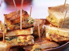 Découvrez notre recette facile et rapide de Minisandwichs au crabe sur Cuisine Actuelle ! Retrouvez les étapes de préparation, des astuces et conseils pour un plat réussi.