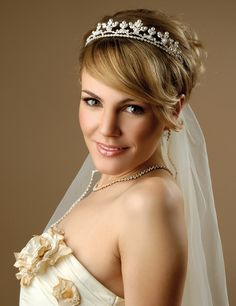 Wedding-hairstyles-for-short-hair-with-tiara Short Wedding Hair Ideas Pixie Hairstyles, Short Hairstyles For Women, Hairstyles With Bangs, Hairstyle Short, 2014 Hairstyles, Pixie Haircut, Short Haircuts, Short Bridal Hair, Headbands For Short Hair