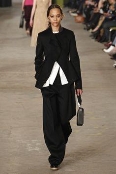Hugo Boss   Ready-to-Wear - Autumn 2016   Look 35