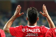Futebol - Futebol - Jonas marcou 11 gols nesta temporada.  (L'Equipe)
