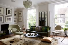 Casinha colorida: Inspirações Mid Century Modern para sua sala de estar