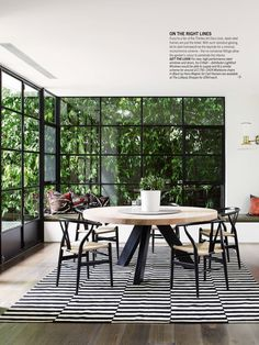 time (Anna gillar) Living Etc magazine. And the greenery in garden background.Living Etc magazine. And the greenery in garden background. Style At Home, Living Etc Magazine, Round Pedestal Dining Table, Round Tables, Round Dinning Room Table, Dining Area, Dining Sets, Patio Table, Sweet Home