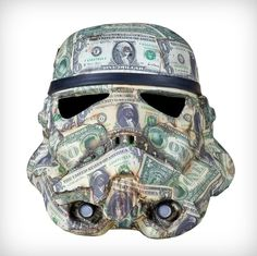 Art Wars : Saatchi Gallery    London Artistic aesthetics on Stormtrooper helmets from many of today's contemporary artists.....