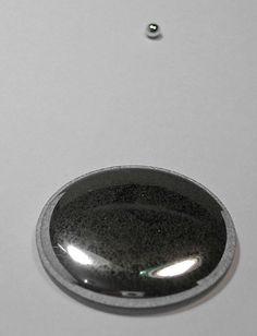 Mercurio. ¿Quién no queda totalmente fascinado por este metal que se licúa a temperatura ambiente?