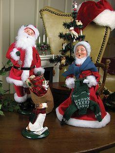 Byers Choice Red Velvet Santa with Magic Key