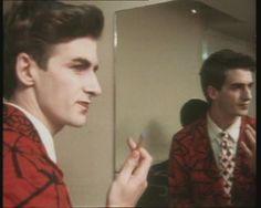 Neil Finn, expert makeup artist. (On his 21st birthday!)