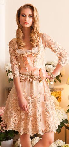 Ophelia Blaimer - Couture - Couture - Garden of Eden - Rosalia