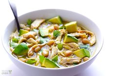 Gimme Some Oven | 5-Ingredient Easy White Chicken Chili | http://www.gimmesomeoven.com