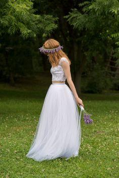 Wedding Dresses Tulle Skirt Crop Tops Ideas For 2019 Lavender Wedding Dress, Tulle Skirt Wedding Dress, White Tulle Skirt, Chic Wedding Dresses, Bridal Skirts, Bridesmaid Dresses, Tulle Skirts, Boho Wedding, Wedding Simple