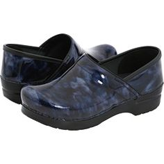 Dansko Professional Marbled Patent---I have these exact shoes :) Leather Belt Buckle, Leather Clogs, Leather Belts, Patent Leather, Dansko Shoes, Clogs Shoes, Old Lady Shoes, Teacher Shoes, Nursing Shoes