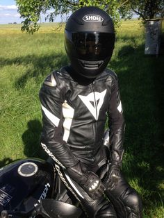 a little guy's dirty thoughts - ianskinbull:   gloves-and-gear:   On a trip to the...
