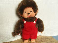 Salopette pour Kiki 20 cm, en laine rouge : http://www.alittlemarket.com/jeux-jouets/fr_salopette_pour_kiki_20_cm_en_laine_rouge_-12975793.html