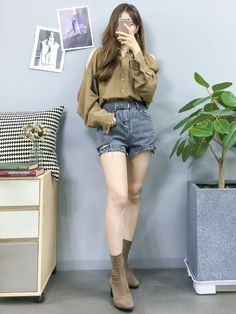 Check out this Awesome korean fashion outfits Korean Girl Fashion, Korean Fashion Trends, Ulzzang Fashion, Korean Street Fashion, Korea Fashion, Asian Fashion, Fashion Ideas, Kpop Outfits, Teen Fashion Outfits