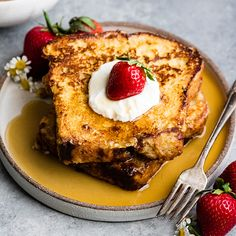 Best Easy French Toast Recipe - Best Easy French Toast Recipe JoyFoodSunshine Breakfast & Brunch Recipes This is the best French Toast Recipe ever! It's easy to make and ready in 20 minutes! This simple french toast recipe is one - - Tips and İdeas - Best French Toast Recipe Ever, Awesome French Toast Recipe, French Toast Recipes, French Toast Bites, Make French Toast, French Toast Receta, Cinnamon French Toast, Recipes Breakfast Video, Brunch Recipes
