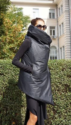 NEW AW Asymmetric Extravagant Black Sleeveless Quilted Coat /