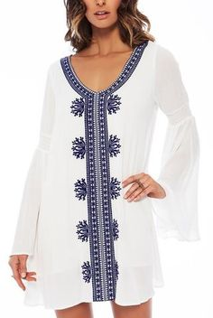 5725c6be704 Robe de Plage Blanche Chic Broderie Coton Manches Flare