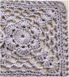 Amazing crochet square very easy to do by everyone who started the crocheting adventure. Spectacular and elegant, this crochet block is a great idea to sew the pattern Easy Flower Crochet Square with Free Tutorial Boho Crochet Patterns, Crochet Square Patterns, Crochet Blocks, Afghan Patterns, Granny Square Pattern Free, Granny Square Häkelanleitung, Square Blanket, Free Pattern, Granny Granny