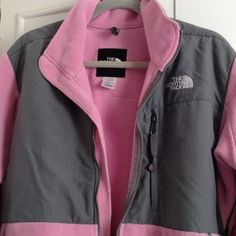 THE NORTHFACE JACKETNO TRADEFINAL MARKDOWN Pastel Pink and Gray gently worn North Face Jackets & Coats
