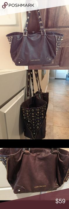 Juicy Contour Leather bag, size 17x11x7. Leather bag with regular ware and there, have lot of life. On bough Side have a zipper to make the bag open wide, Juicy Couture Bags Totes
