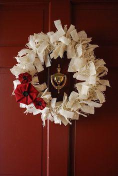 White burlap wreath - I EVEN have the red door!