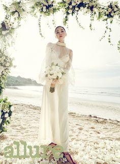 """""""감출 수 없는 톱모델의 위엄"""" 장윤주 웨딩 화보"""