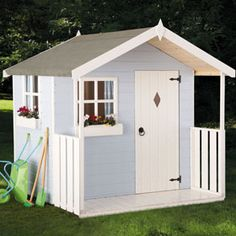 tremendously two: Playhouses; from the humble to the not so!
