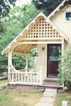 Cute Cottage, love the porch Style Cottage, Cottage Porch, Cozy Cottage, Cottage Living, Cottage Homes, House Porch, Country Living, Little Cottages, Cabins And Cottages