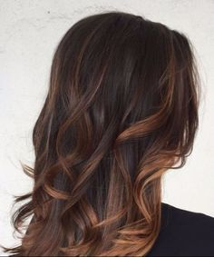 Balayage-Haarfarbe aus Schokolade und Karamell
