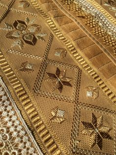 1 million+ Stunning Free Images to Use Anywhere Hardanger Embroidery, Embroidery Stitches, Hand Embroidery, Embroidery Designs, Cross Stitch Cushion, Christmas Coasters, Free To Use Images, Crochet Designs, Quilt Blocks