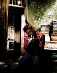 Tyler Durden (Brad Pitt) - Fight Club