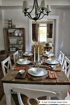 Our Vintage home Love ~ Fall table ideas. that Dinning room table. Style At Home, Dinning Room Tables, Dining Decor, Fall Table Settings, Dining Room Inspiration, Home Fashion, Kitchen Decor, Sweet Home, Decoration