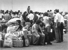 People waiting to leave Angola due to the civil war