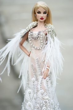 White Peafowl Gown for Fashion Royalty (FR2, New Nuface, Nuface) Barbie (Model Muse, Pivotal)