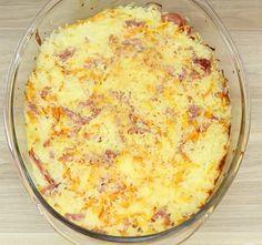 Ingredientes: + 5 xicaras de chá de arroz cozido (pode ser aquele arroz de ontem!) + 100 gr de muçarela ralada + 100 gr de presunto picado + 1 cenoura ralada + 2 ovos + 1 xícara de leite + 200g de requeijão + 4 csp de queijo parmesão ralado + sal...