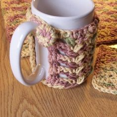 Free crochet pattern for a puff stitch mug cozy, thanks so for share xox